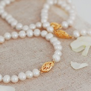 Classic White Pearl Bracelet with Vintage Style Gold Clasp