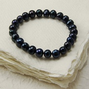 Stretch Black Pearl Bracelet